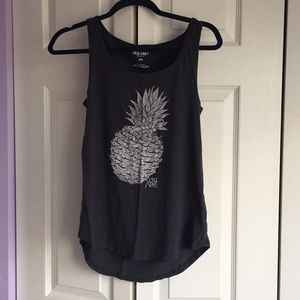 Grey beach-y pineapple tank from Old Navy!